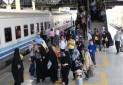یک ساعت قبل از حرکت قطار در ایستگاه باشید