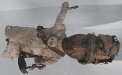 مرمت عروسکی با یک قرن عمر