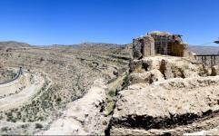 قلعه تاریخی «دختر» در حال مرمت است