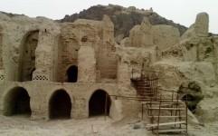 ترک های فراموشی بر پیکر کوه خواجه سیستان