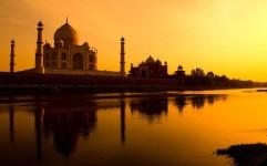 هند چگونه توانست سرمایه های خارجی را به صنایع توریسم و هتلداری جذب کند؟