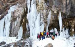 چالش ها و راهکارهای توسعه گردشگری در اخلمد چیست؟