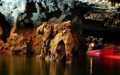 سفر رویایی در شگفت انگیزترین غار آبی جهان