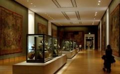 معلولان و جانبازان از موزه های تهران رایگان بازدید می کنند