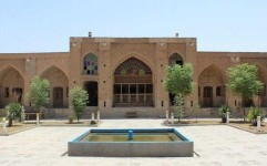 نمایشگاه صنایع دستی و مشاغل خانگی در کاروانسرای حاج کمال برپا شد