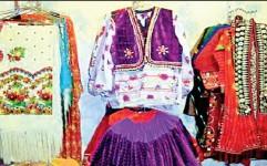 لباسی سنتی ویژه مدیران ایرانی طراحی شود