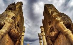 روایت تلخ ویرانی در پایتخت هخامنشی ها