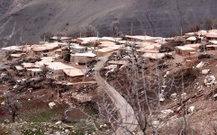 سنگ تراشان؛ روستای بدون حصار غرب ایران