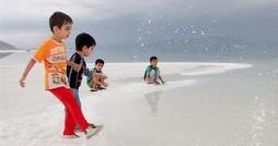 روزهای ناخوش دریاچه ارومیه؛ نه باران در راه است نه اعتبار!