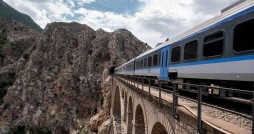 برخورد با خرید و فروش بلیت قطارهای نوروز در اپلیکیشن های موبایلی