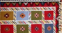 تولید سالانه ۲۱۸ هزار متر مربع دست بافته های داری در کهگیلویه و بویراحمد