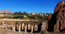 مرمت قدیمی ترین پل آب رو ایران به دست جهادگران میراث