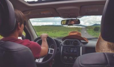 آگاهی از قوانین و خرید بیمه شخص ثالث خودرو: خیال راحت در سفر