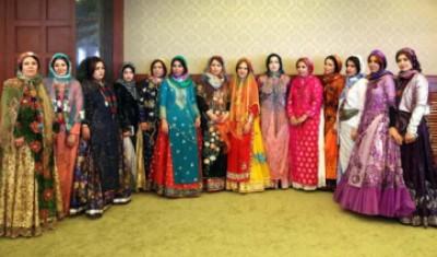ترویج استفاده از لباس های سنتی عناصر هویتی اقوام را بازمی گرداند