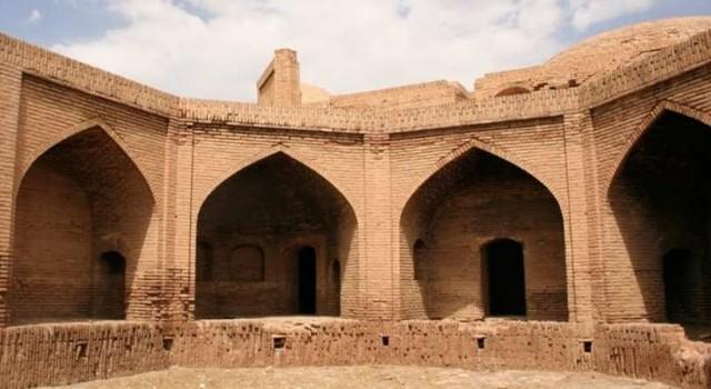 کاروانسرای برد شیراز در شهرستان بوانات رصد خانه می شود