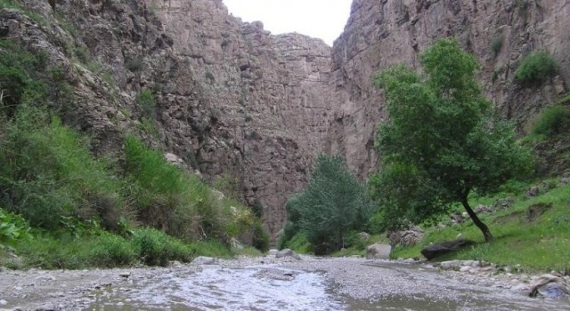 دره شمخال؛ بهشت طبیعت گردی ایران