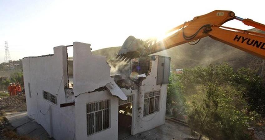 286 هزار متر از اراضی ملی در لواسان رفع تصرف شد