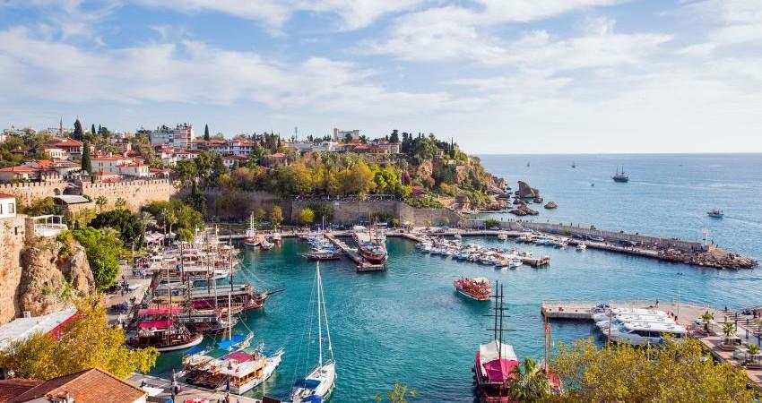گام های لرزان گردشگران برای سفر به ترکیه