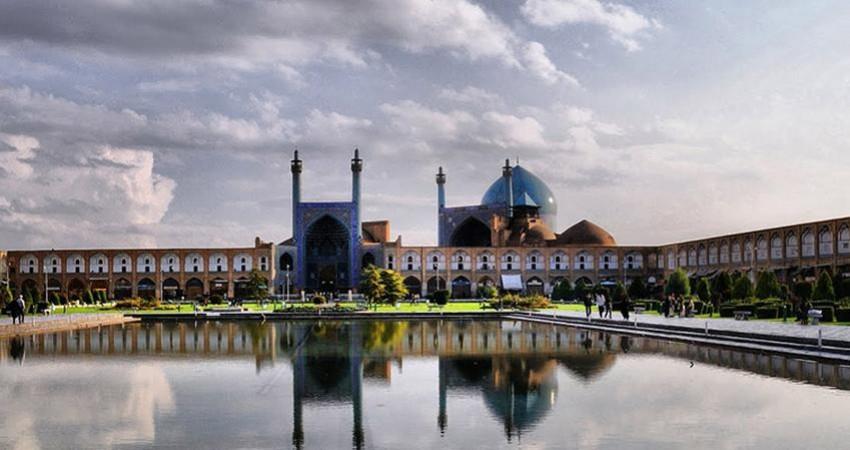 جستجو در گوگل یک توریست را به اسکواش اصفهان رساند