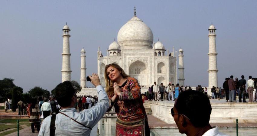 پروتکل جنجالی هند برای پوشش گردشگران خارجی