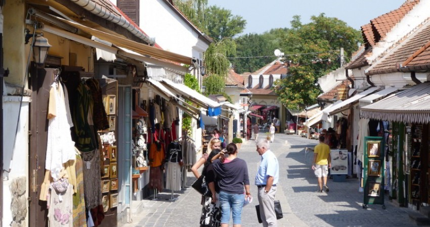 اجاره تمام یک روستا در مجارستان به گردشگران