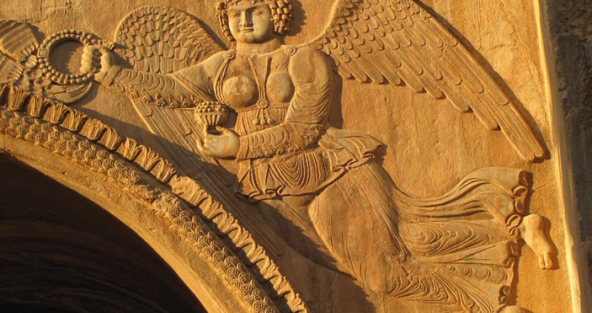 اسطوره های ایرانی صلح طلبند