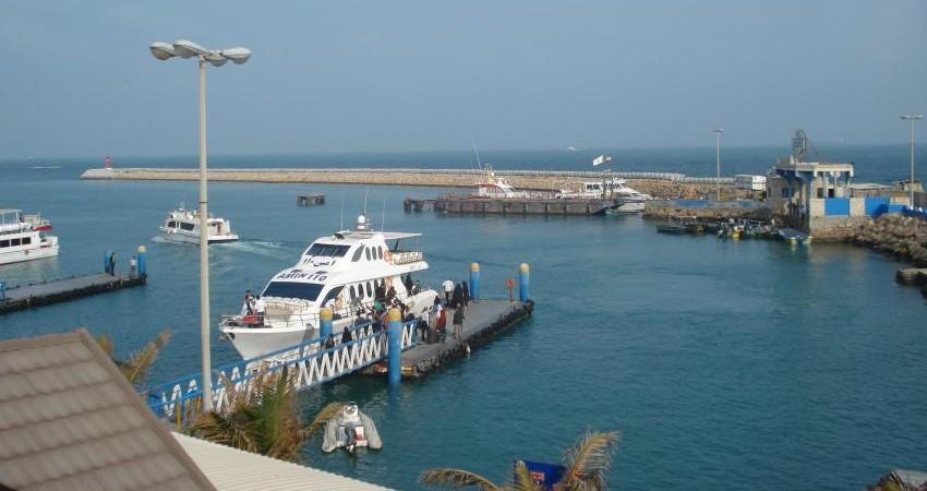 کشتی گردشگری در خزر به گِل نشست!