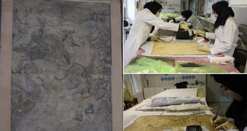 مرمت تابلو نگارگری صفوی در کاخ صاحبقرانیه