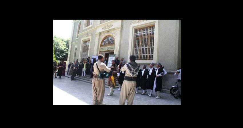 """نمایشگاه پوشاک اقوام کرد """"سیپال """" در مجموعه سعدآباد گشایش یافت"""