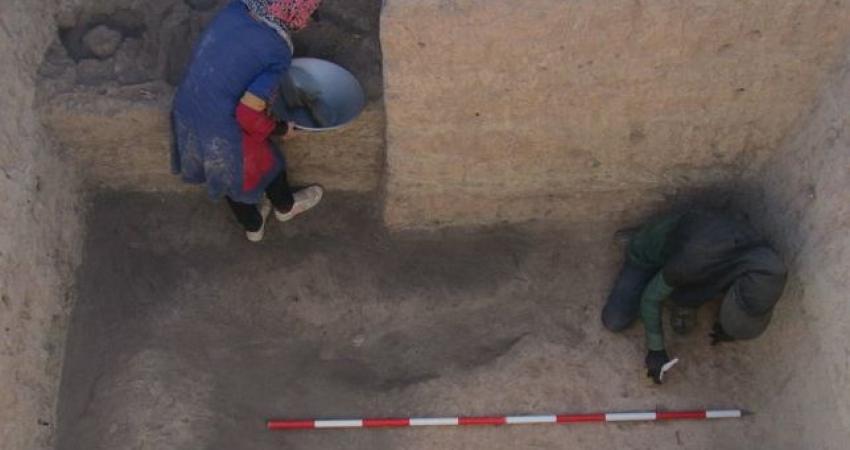 کشف ظروف مرمری 5 هزار ساله در نیشابور