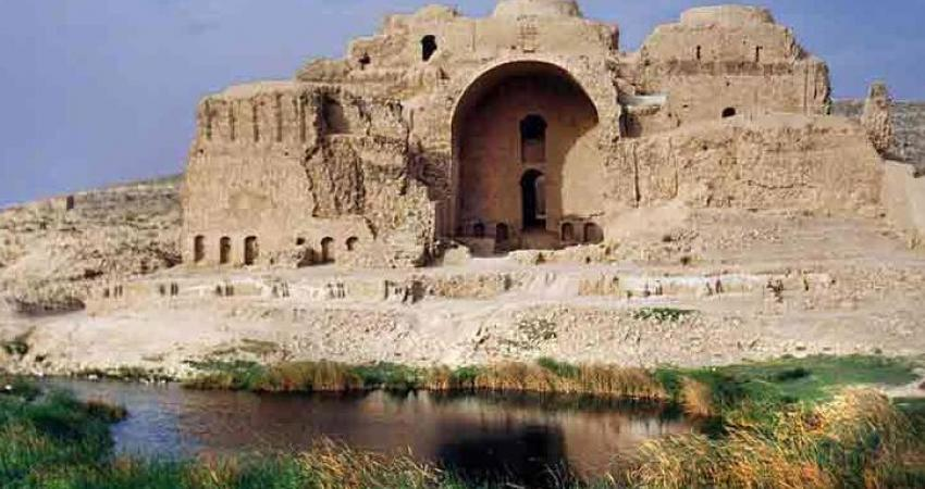 شروع مرمت کاخ اردشیر در مجموعه تاریخی فیروزآباد