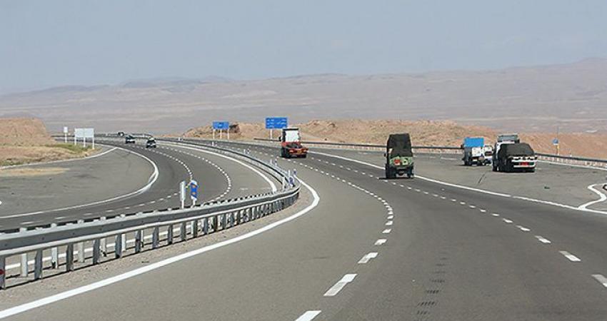 جمع آوری 575 تابلوی تبلیغاتی غیرمجاز از جاده های همدان