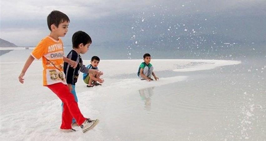 نابودی 800 کیلومترمربع از دریاچه ارومیه