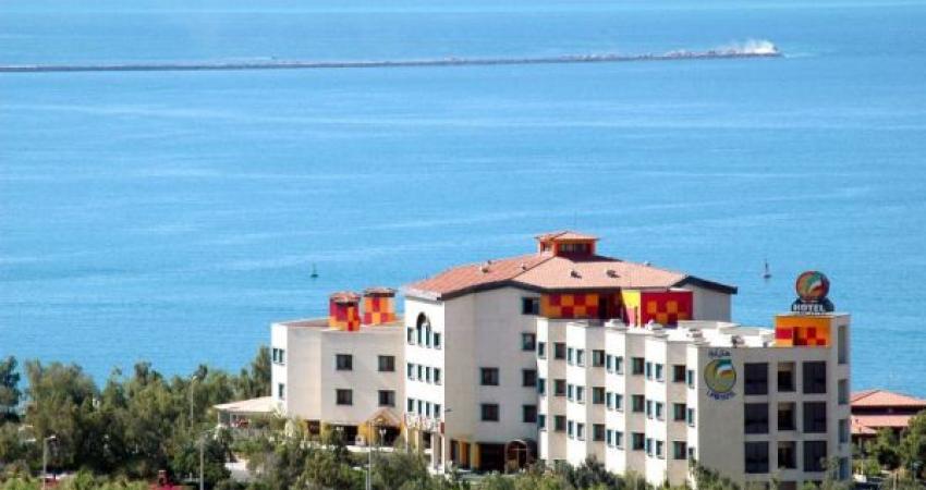 از آتش سوزی در هتل هرمز تا بازگشایی هتل لیپار