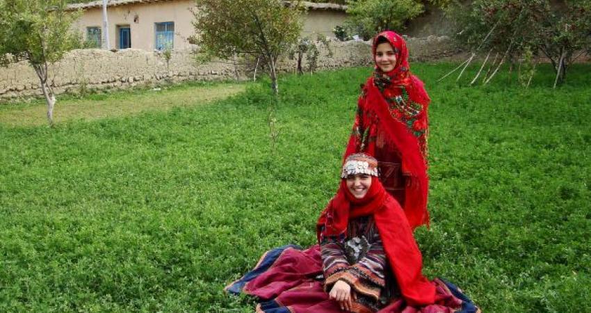 سازماندهی پوشاک اقوام ایرانی