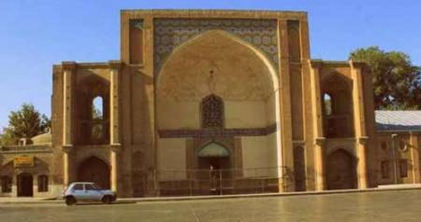 مشارکت میراث فرهنگی و شهرداری در ساماندهی و مرمت دولتخانه صفوی قزوین