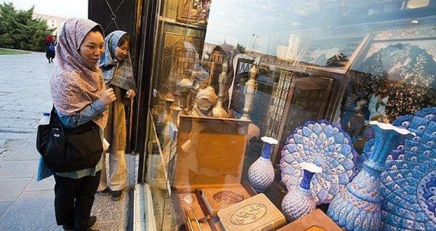 تفاهم نامه رضایت مندی گردشگر بین اصناف اصفهان و راهنمایان گردشگری منعقد شد