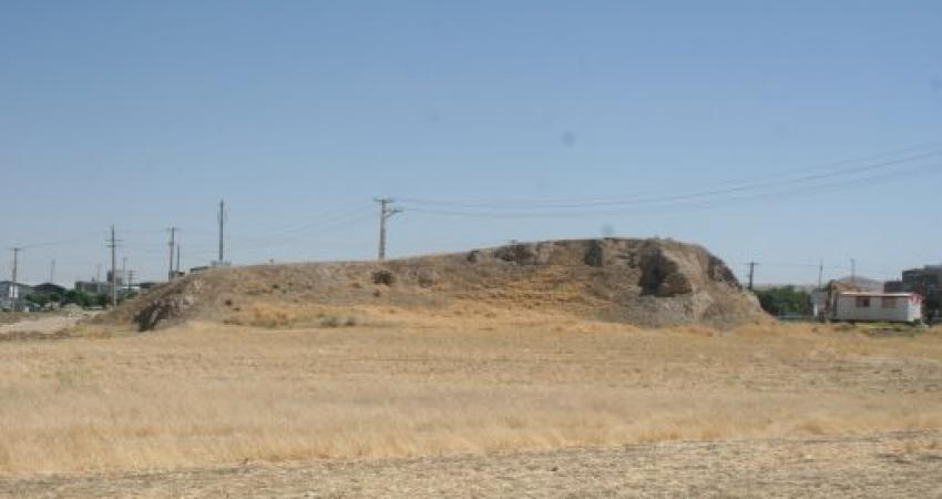 تعیین عرصه و حریم تپه روباه برای پیش گیری از تخریب بیشتر