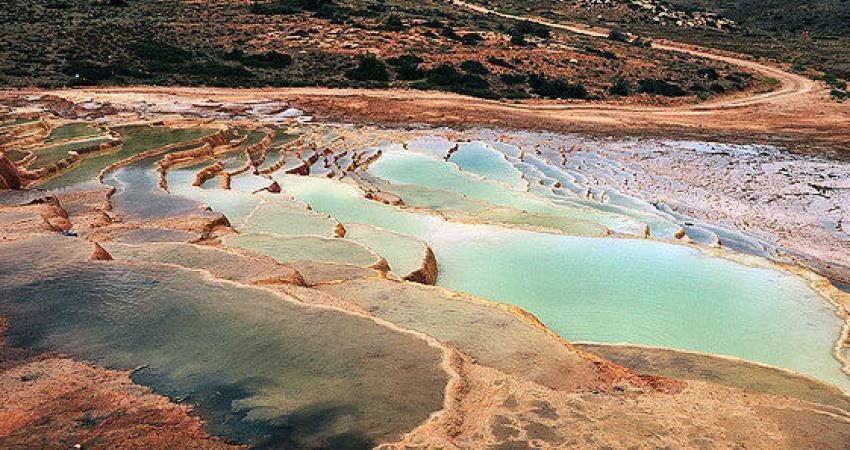 بسته شدن چشمه باداب سورت به روی گردشگران