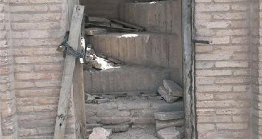 درب ورودی پشت بام سی و سه پل مسدود شد