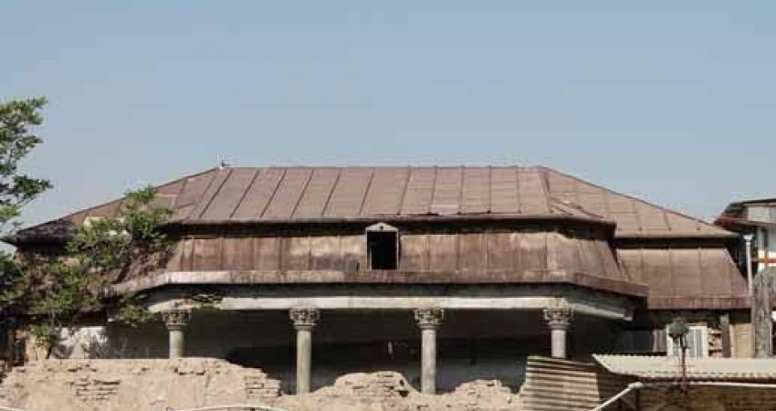 تخریب عمارت قاجاری تجارت خانه جهانیان
