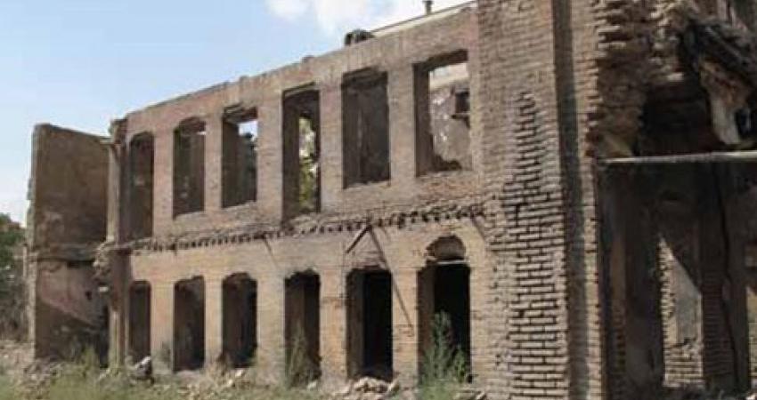 مدرسه 100 ساله صداقت تهران نفس های آخر را می کشد