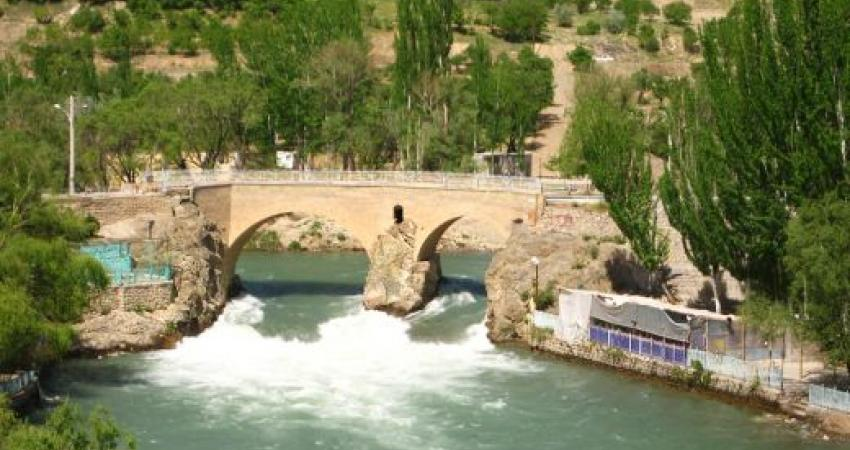 برگزاری مراسم پاکسازی رودخانه زاینده رود در چهارمحال و بختیاری