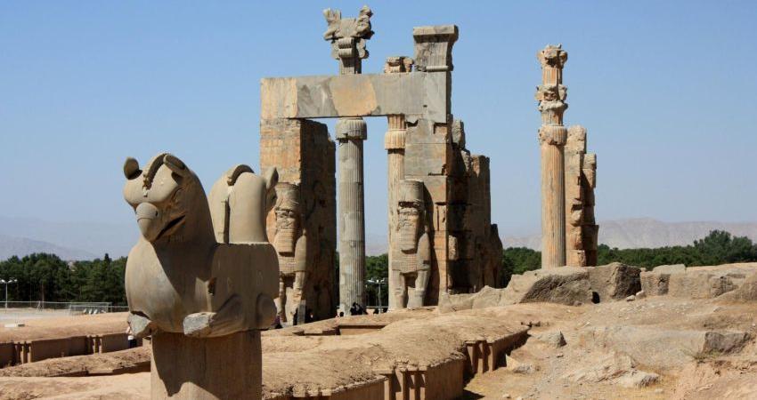 نمایشگاه عکس تخت جمشید در ارمنستان گشایش یافت