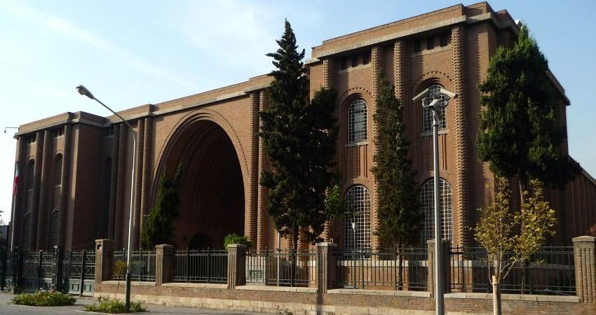 عذرخواهی مدیر موزه ملی ایران