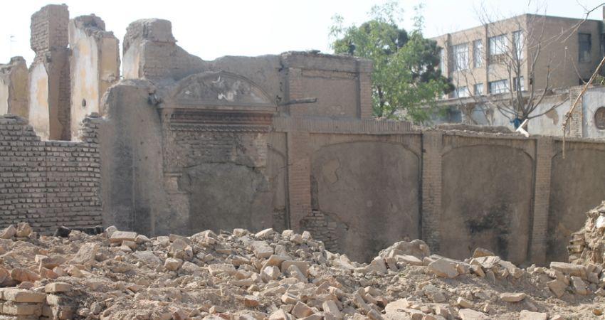 یک خانه ارزشمند قاجاری در عودلاجان تخریب شد