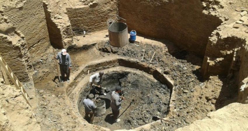 کشف یک حوض خانه قدیمی در مرکز شهر آران و بیدگل