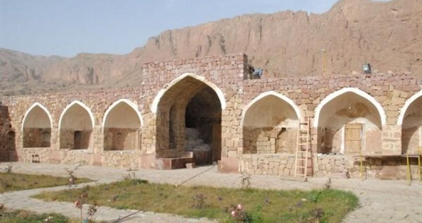 دفن حمام 400 ساله در نزدیکی کاروانسرای عباسی