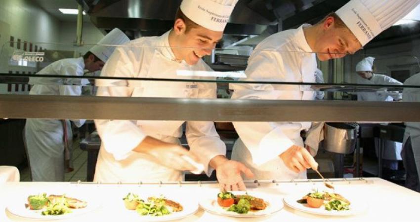 مدرسه رستوران داری Ferrandi فرانسه دنبال شریک در ایران