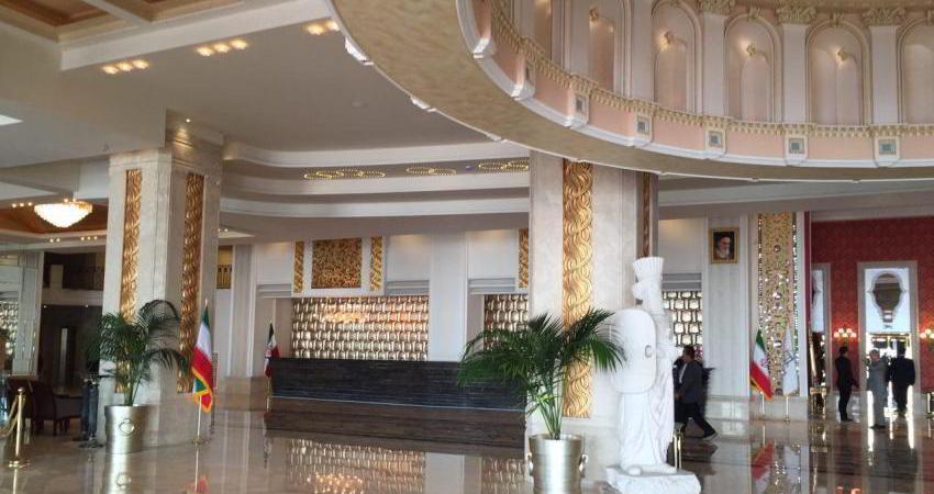 هتل اسپیناس پالاس، بزرگ ترین و جنجالی ترین هتل ایران افتتاح شد